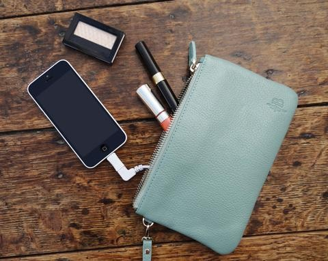 Introduced To The Us Market In 2017 Hbutler S Mighty Purse Has Been Hailed As World First Cell Phone Charging Developed By Australian Wearable