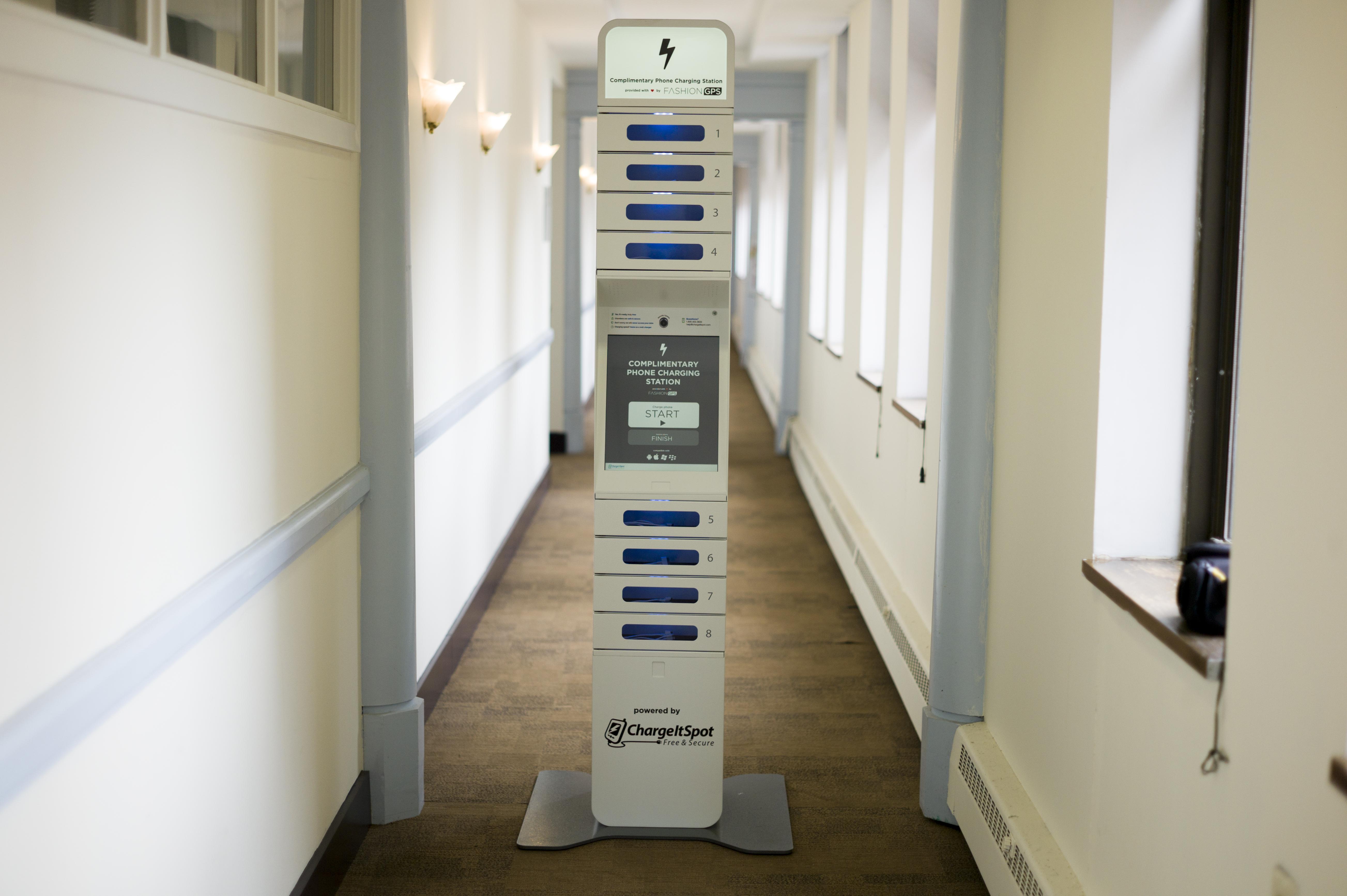 phone-charging-kiosk